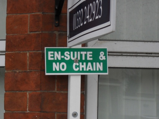 """En-Suite & No Chain"""
